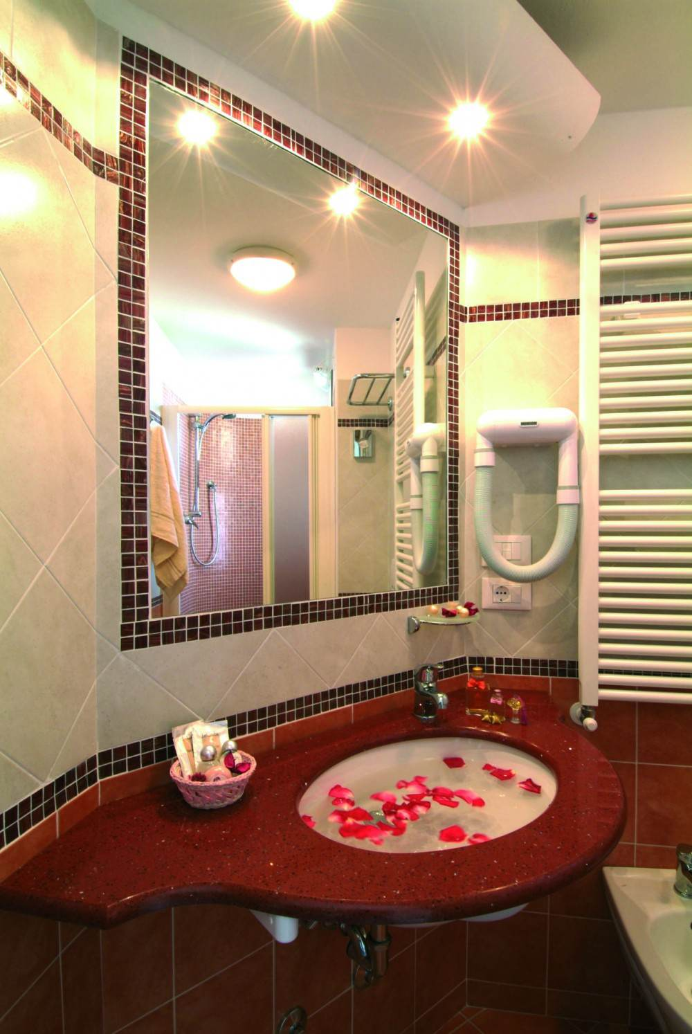 Comode e belle le camere dell 39 hotel missouri di igea marina - Bagno romano igea marina ...